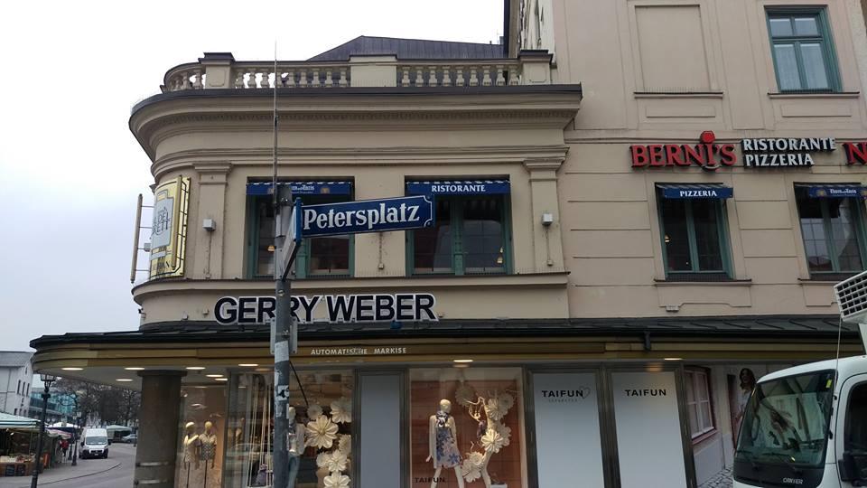 """Umzug der Kanzlei an den Petersplatz 8 zum """"Alten Peter"""""""